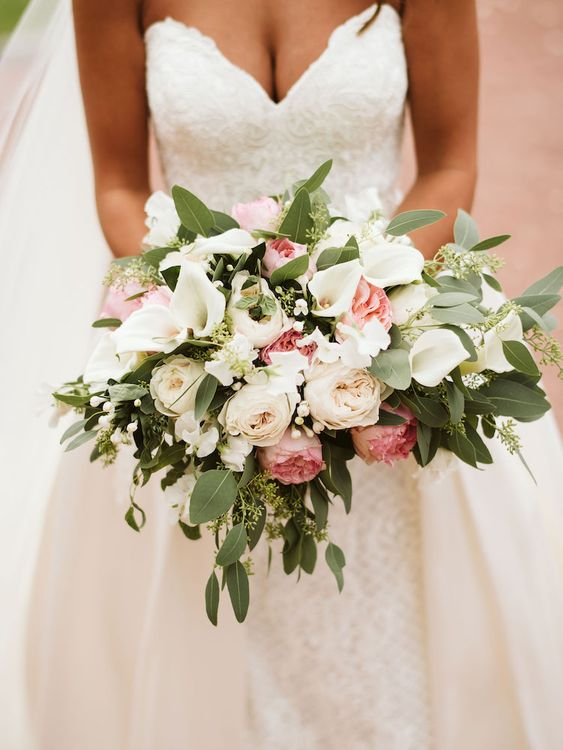 White and Pink Bouquet by Supernova Wedding Design