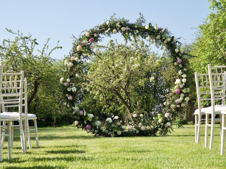 The Flower Boutique Flower Hoop Circle Installation