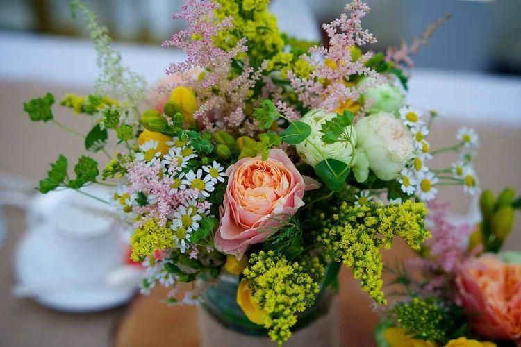Miranda Hackett Summer Wedding Flowers by Henry Wells Photography