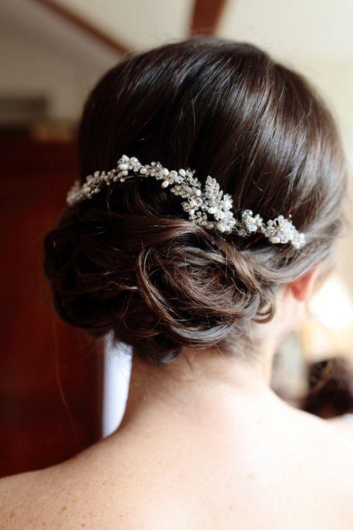 Intertwined hair vine