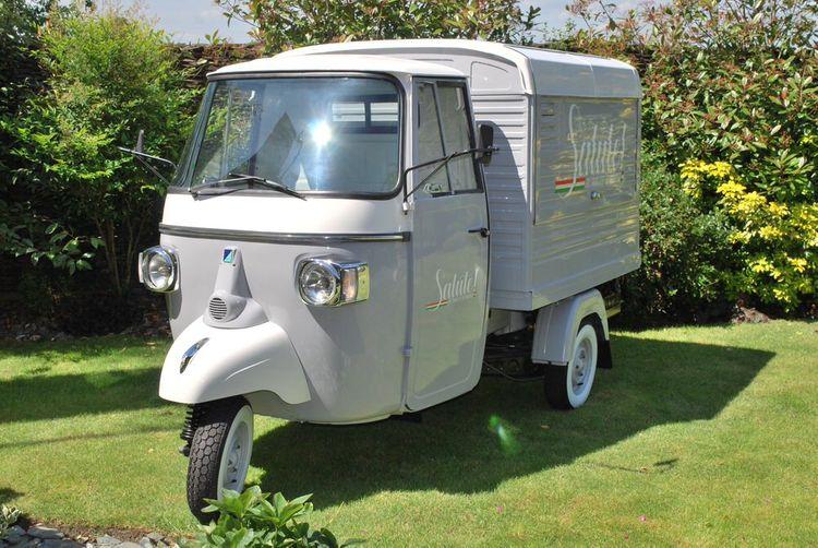 Wedding Drinks Van by Salute! Bubbles & Birra