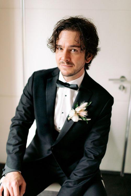 在他的婚礼上,婚礼上的婚礼