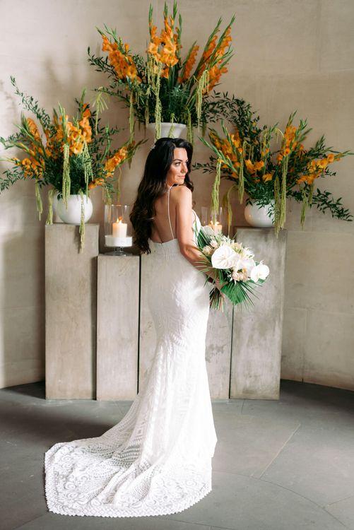 准备穿婚纱礼服的礼服